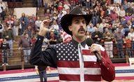 Sacha Baron Cohen si vystřelil z pravicových radikálů na jejich vlastní akci | Fandíme filmu