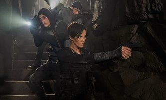 Box Office: Stará garda si získala divácký zájem... i když vůbec nešla do kin | Fandíme filmu