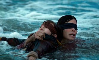 Bird Box 2: Sandra Bullock se vrátí do světa, kde musíte mít zavřené oči | Fandíme filmu