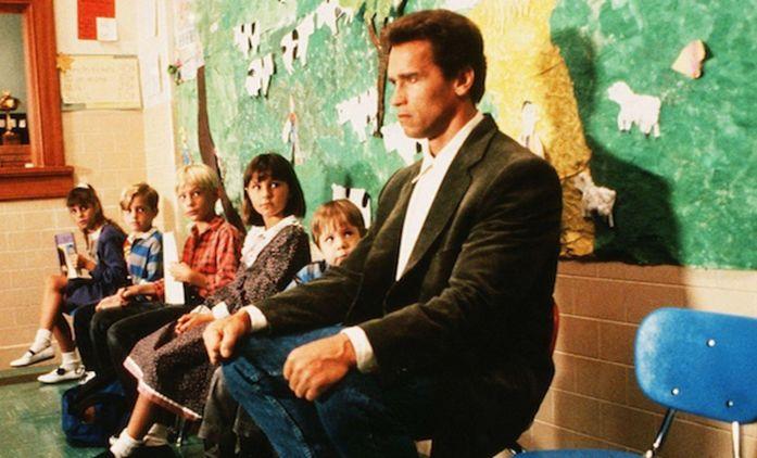 Policajt ze školky: Po třiceti letech se Arnold Schwarzenegger znovu sešel se svojí třídou | Fandíme filmu