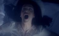 Ghosting Gloria: Nezkušená třicátnice zjišťuje, že muž jejích snů je naneštěstí duch | Fandíme filmu