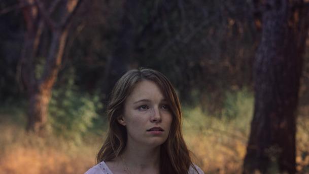 Parallax: Hrdinka nové sci-fi přestává rozlišovat mezi realitou a noční můrou   Fandíme filmu
