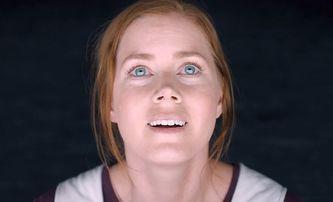 Nightbitch: Amy Adams se v černé komedii strachuje, že se promění v psa   Fandíme filmu
