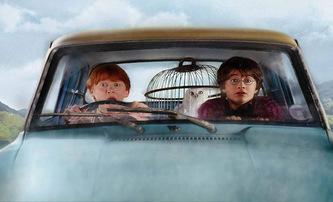 Harry Potter: Létající automobil Ford Anglia se měl v posledním díle vrátit | Fandíme filmu