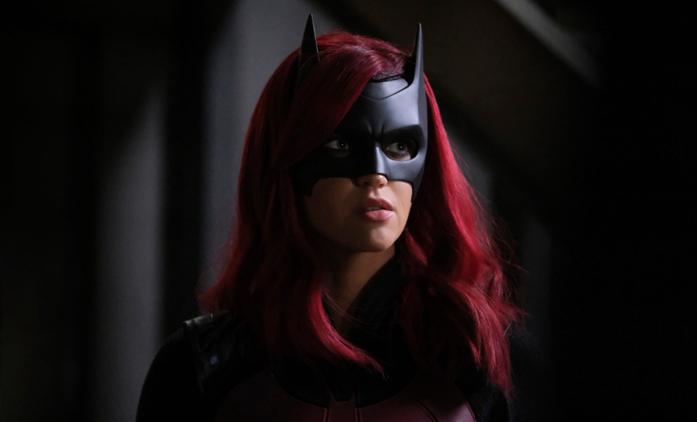Batwoman: Kostým nové představitelky netopýří hrdinky odhalen | Fandíme seriálům
