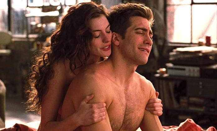 Británie kvůli COVIDu doporučuje natáčet erotické scény ve filmech s reálnými partnery | Fandíme filmu