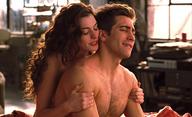 Británie kvůli COVIDu doporučuje natáčet erotické scény ve filmech s reálnými partnery   Fandíme filmu