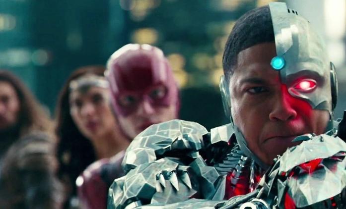 Justice League: Snyder dokončí film zdarma a nepoužije jediný záběr z přetáček | Fandíme filmu