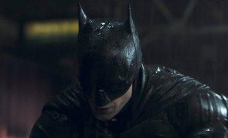 The Batman: Masivní kulisy města Gotham na fotografiích | Fandíme filmu