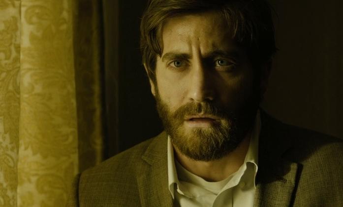 Jake Gyllenhaal lže až se mu od pusy práší | Fandíme seriálům