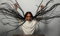 Bad Hair: V novém hororu vám půjdou po krku vraždící vlasy   Fandíme filmu