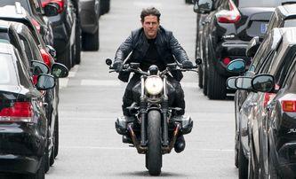 Mission: Impossible 7: Tom Cruise opět létá vzduchem, tentokrát na motorce | Fandíme filmu