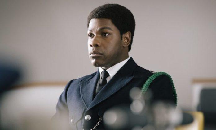 Série o černošských protestech a střetech s policií přináší první upoutávku   Fandíme seriálům