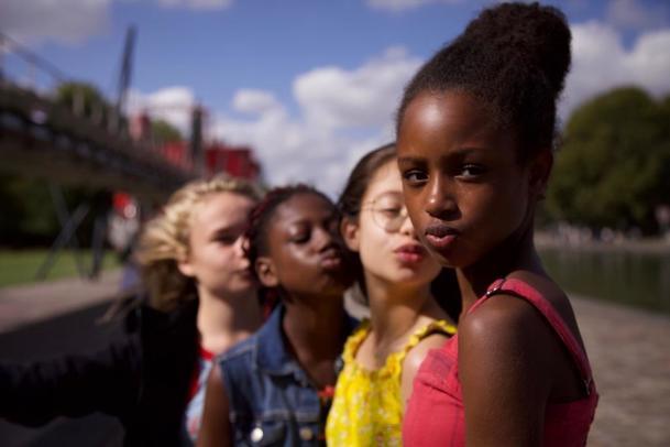 Kočičky: Netflix čelí nařčení z nepřijatelné sexualizace náctiletých dívek | Fandíme filmu