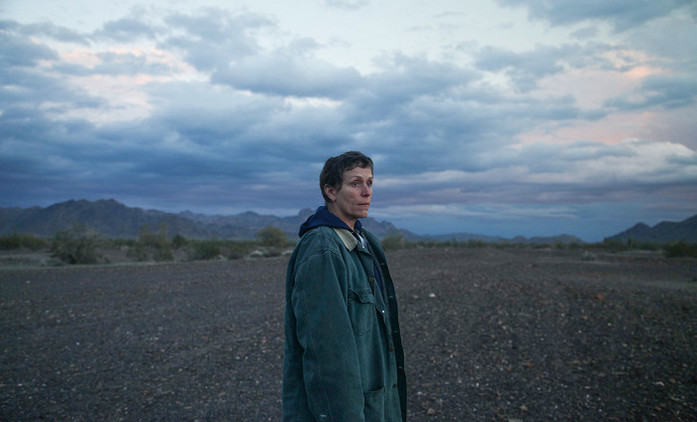 Země nomádů: Trailer představuje snímek často označovaný jako film roku | Fandíme filmu