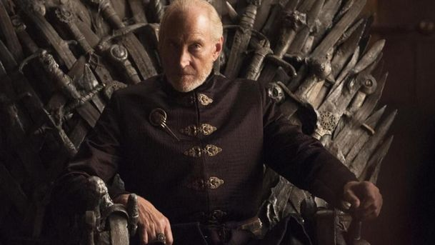 Hra o trůny: Představitel Tywina Lannistera nebyl spokojený s tím, jak byl seriál uzavřen | Fandíme serialům