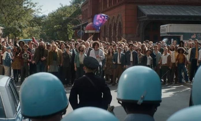 Chicagský tribunál: Policie se střetává s demonstranty v novém traileru, ze kterého mrazí | Fandíme filmu