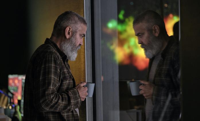 The Midnight Sky: Umírající George Clooney se snaží zabránit návratu astronautů na zpustošenou Zemi | Fandíme filmu