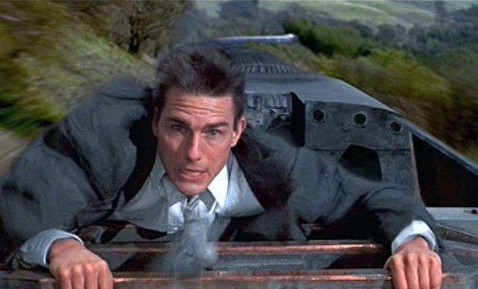 Mission: Impossible 7: Fanoušci zachytili Toma Cruise při natáčení scény na střeše rozjetého vlaku | Fandíme filmu