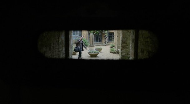 Infinitum: Subject Unknown: Filmaři během lockdownu natočili sci-fi s Ianem McKellenem | Fandíme filmu
