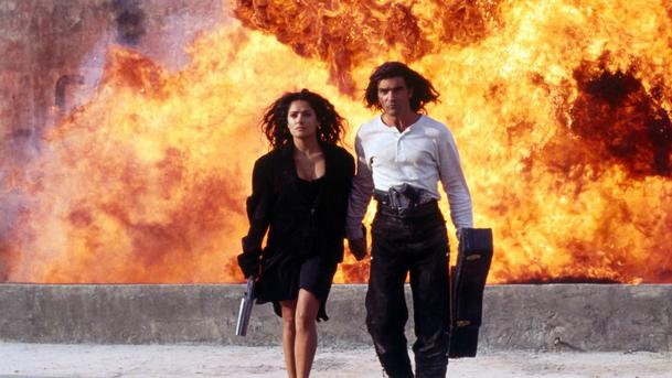 Desperado: Místo ohnivé Salmy Hayek chtělo studio do role bělošku   Fandíme filmu