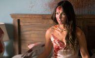Till Death: Zkrvavená a spoutaná Megan Fox bojuje na prvních fotkách o život | Fandíme filmu