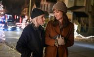 Happiest Season: Trailery naznačují, že romance s Kristen Stewart a Mackenzie Davis nezklame | Fandíme filmu