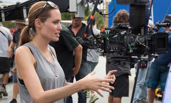 Unreasonable Behaviour: Angelina Jolie a Tom Hardy chystají film o slavném válečném fotografovi | Fandíme filmu