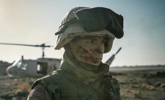 Cherry: Tom Holland jako zlomený válečný veterán na prvních fotkách z filmu | Fandíme filmu