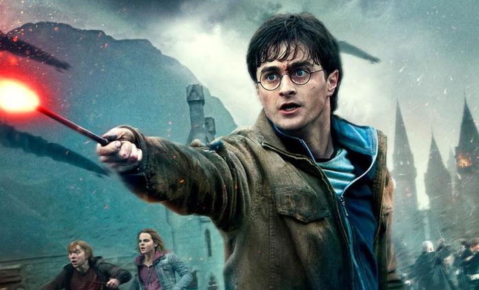 Harry Potter: Daniel Radcliffe vzpomíná na natáčení s náruživou opicí a zvýšenou spotřebou hůlek | Fandíme filmu