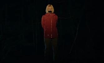 Hunted: Pronásledovaná Červená karkulka terorizuje své únosce   Fandíme filmu