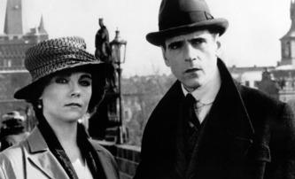 Kafka: Jeden z prvních zahraničních filmů natočených po revoluci v Československu se dočká nové verze   Fandíme filmu