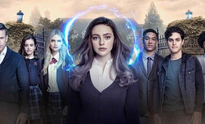 Legacies: CW láká na třetí řadu spin-offu Upířích deníků první upoutávkou | Fandíme seriálům