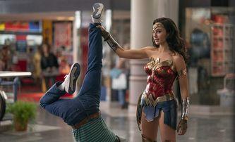 Box Office: Wonder Woman diváky v kinech udržet nesvede   Fandíme filmu