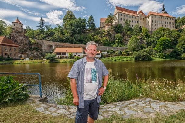 V karavanu po Česku: Aleš Háma doporučuje, kam vyrazit na výlet   Fandíme serialům