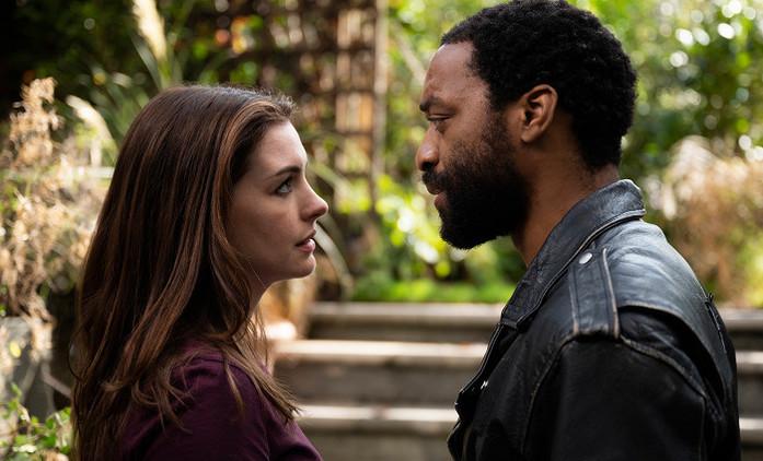 Locked Down: Anne Hathaway a Chiwetel Ejiofor loupí v době pandemie | Fandíme filmu
