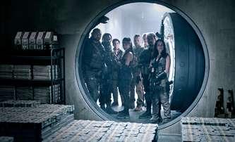 Armáda mrtvých: Nemrtví tygři a šiky rychlých zombií v novém traileru | Fandíme filmu