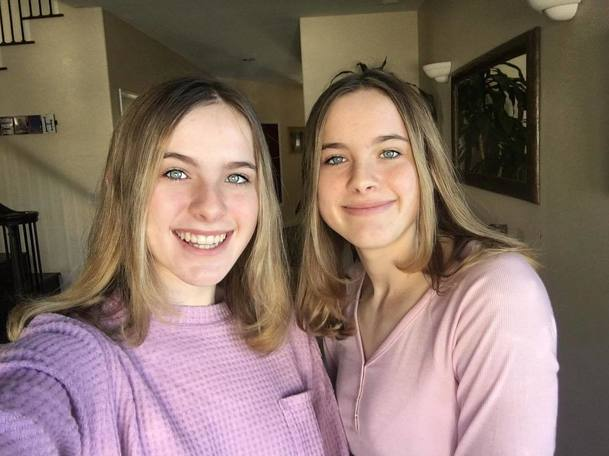 Přátelé: Emma, seriálová dcera Rosse a Rachel, vyrostla do krásy hned dvakrát | Fandíme serialům