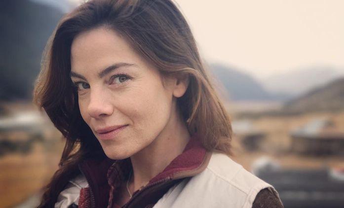 Echoes: Dvojčata si v novém thrilleru prohazují domovy, manžely a celé životy | Fandíme seriálům