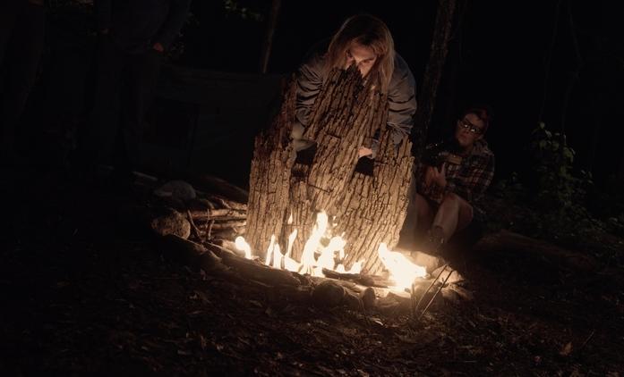 Red Woods: Nový horor se pokouší napodobit Záhadu Blair Witch | Fandíme filmu