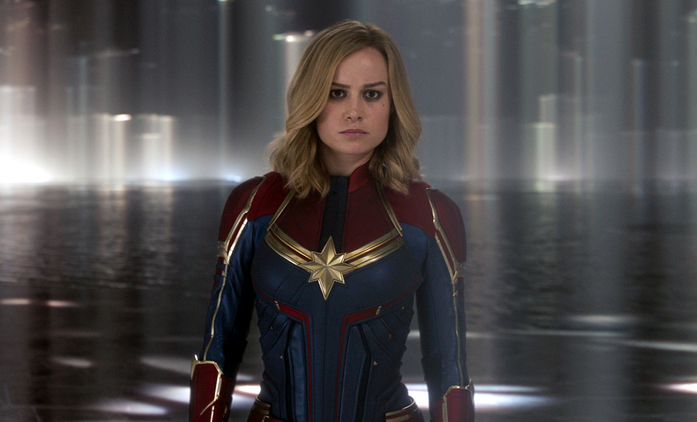 Lessons in Chemistry: Po superhrdinském filmu zdvihá Brie Larsson ženský prapor v historickém životopisu | Fandíme seriálům