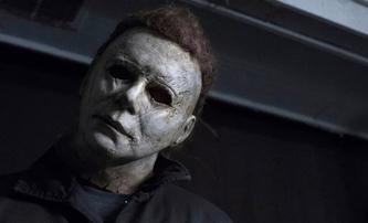 Halloween zabíjí: Nová fotka ukazuje, jak vrah Myers unikl svému osudu | Fandíme filmu