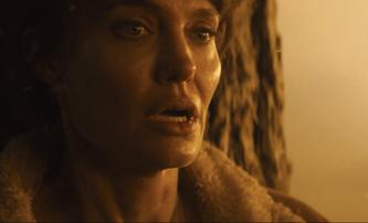 Those Who Wish Me Dead: Angelina Jolie chrání život mladíka před zabijáky a lesním požárem | Fandíme filmu