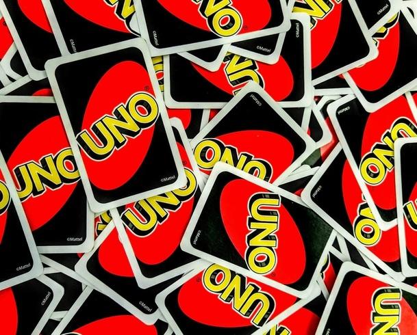 Uno: Chystaný lupičský film se záhadně inspiruje oblíbenou karetní hrou   Fandíme filmu