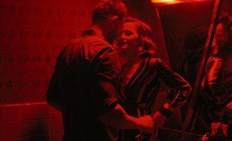 Happily: V téhle romantické komedii se bude kvůli štěstí i vraždit | Fandíme filmu