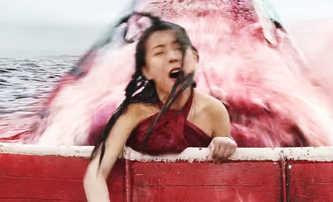 Huge Shark: Čínská odpověď na žraločí Mělčiny   Fandíme filmu