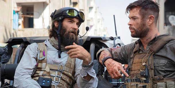 Combat Control: Jake Gyllenhaal a režisér hitu Vyproštění se hlásí do vojenské služby | Fandíme filmu