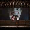 Mainstream: Andrew Garfield si ve vizuálně rozjeté novince dělá srandu z influencerů | Fandíme filmu