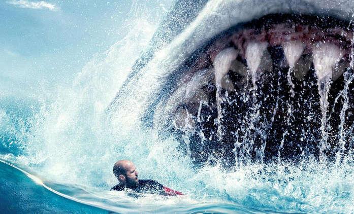 Bleskovky: V MEG 2 se Statham zřejmě utká rovnou se dvěma obřími žraloky   Fandíme filmu