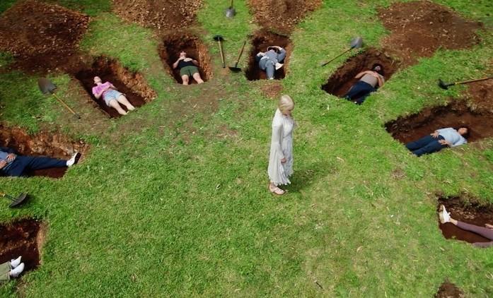 Úplně cizí lidé: Nicole Kidman v první upoutávce představuje pofidérní lázně | Fandíme seriálům